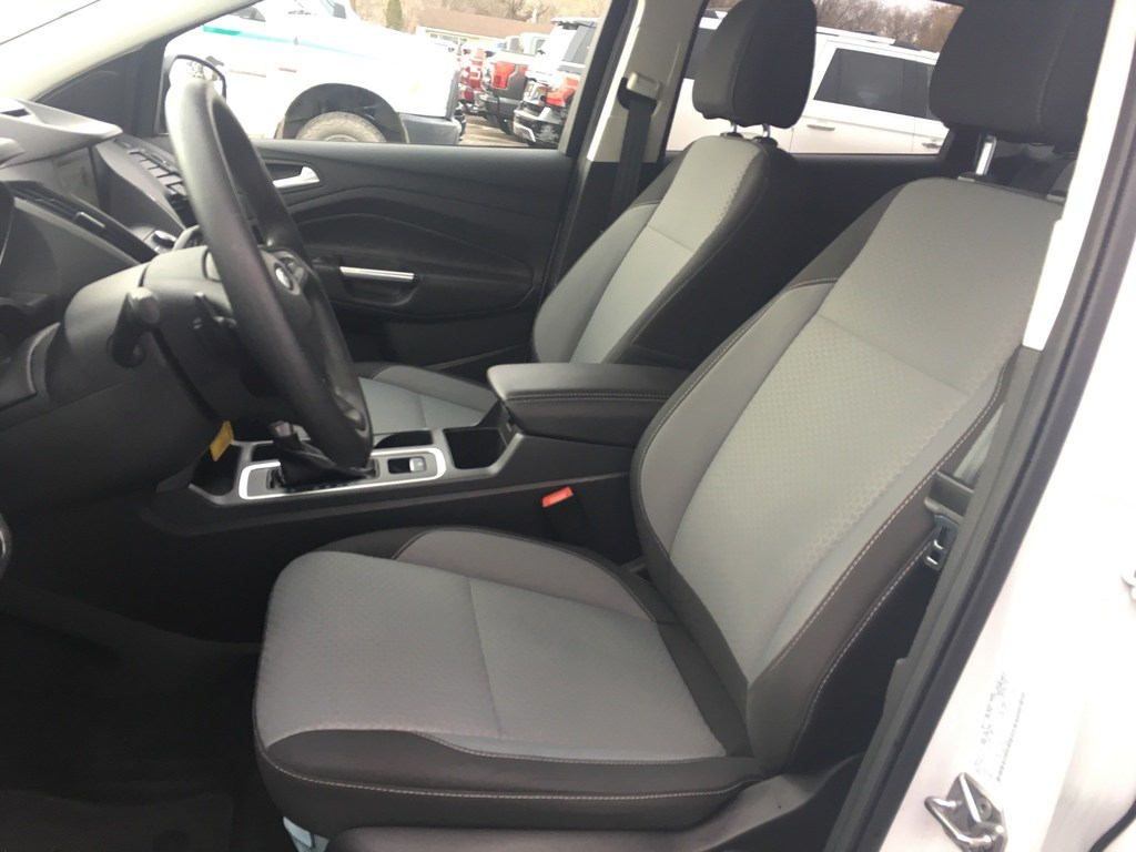 2017 Ford Escape SE - 4WD ONE Owner BY Employee