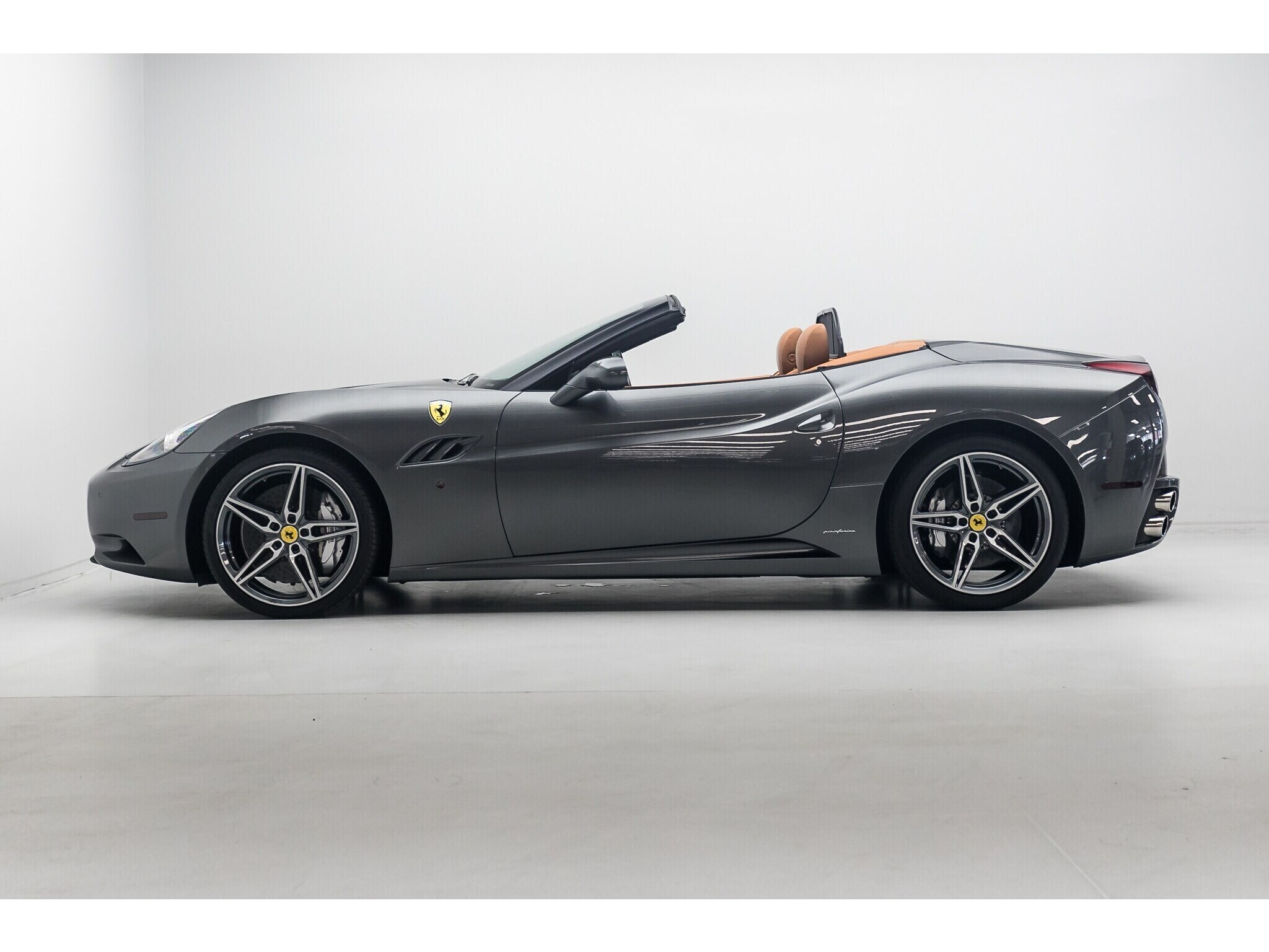 Claireview Leasing | Ferrari - California - 30 Convertible ...