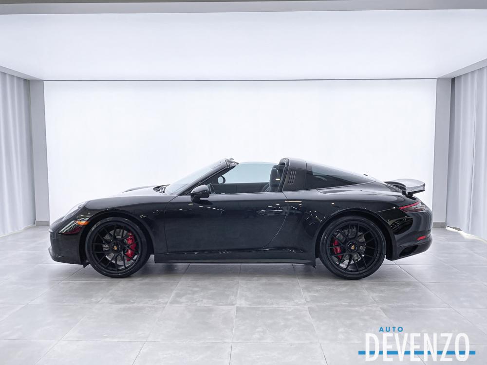 2019 Porsche 911 Targa 4 GTS 450HP PDK TRIPLE BLACK complet