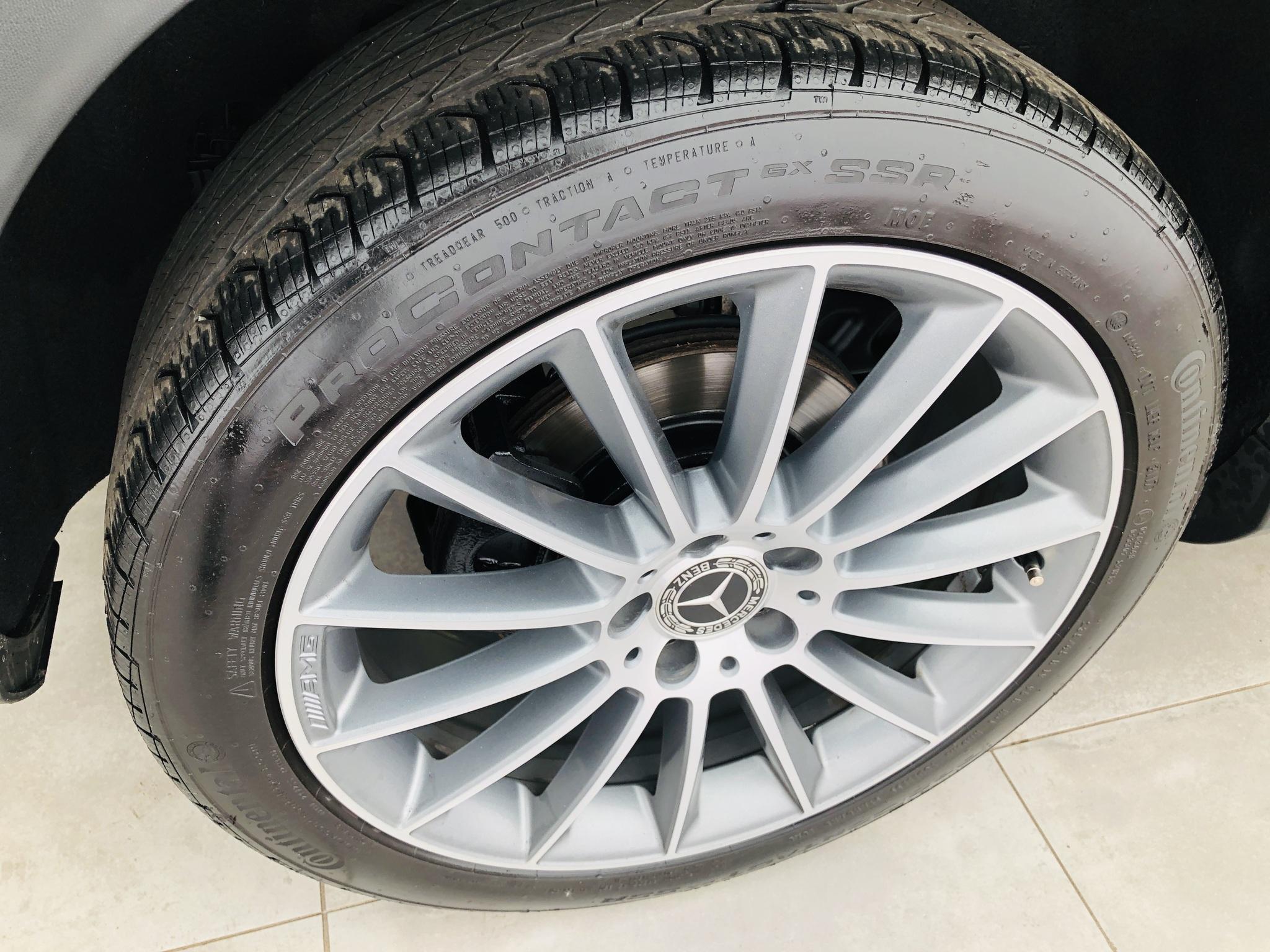 2018 Mercedes-Benz GLA-Class GLA250 4MATIC Garantie Mercedes 23/10/2023 / 160km complet