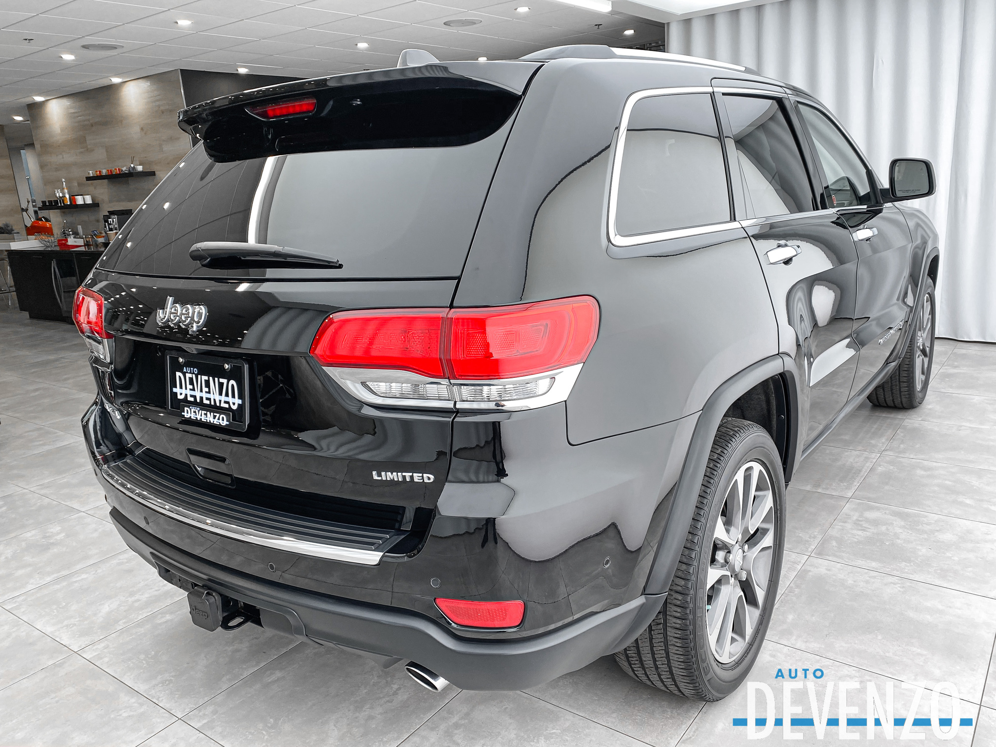 2018 Jeep Grand Cherokee Limited 4×4 3.6L V6 GPS / CAMERA / TOIT PANO complet