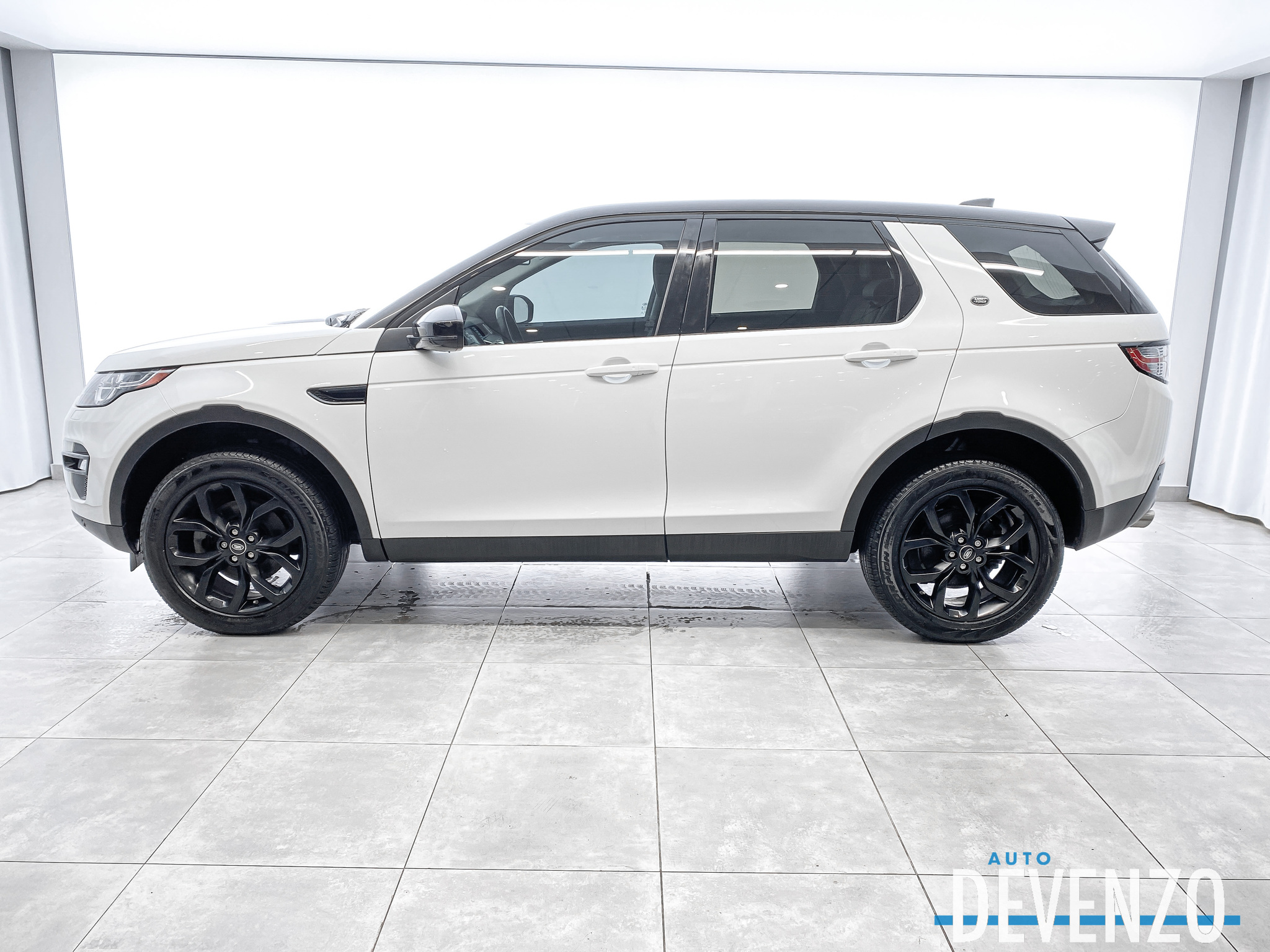 2017 Land Rover Discovery Sport AWD HSE BLACK PACKAGE NAVI / TOIT PANO / CAMERA complet