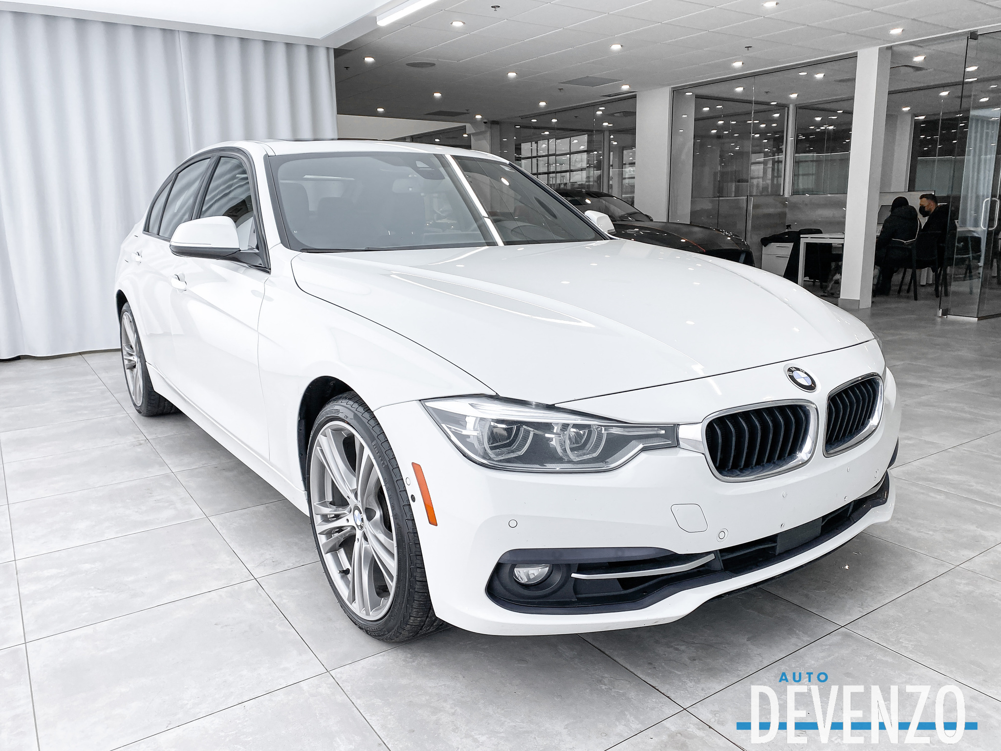 2017 BMW 3 Series 330i xDrive PREMIUM PACKAGE NAVIGATION/CAMERA complet