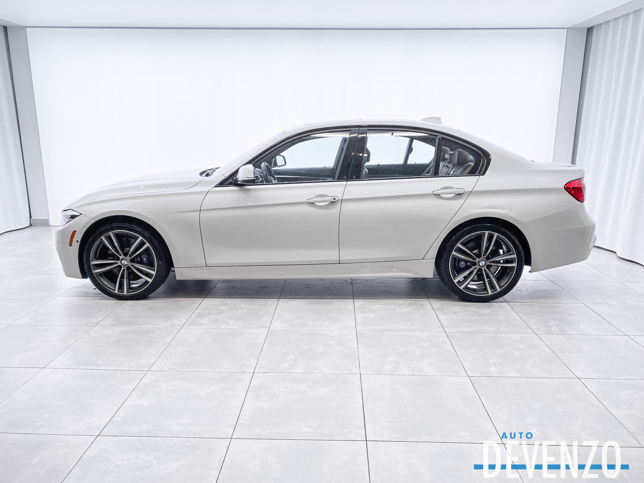 2016 BMW 3 Series 340i xDrive AWD M SPORT PERFORMANCE complet