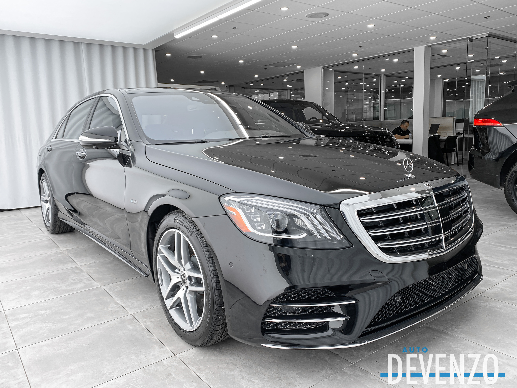 2020 Mercedes-Benz S-Class S560e Electric – AMG Sport  LWB / TV-DVD Rear complet