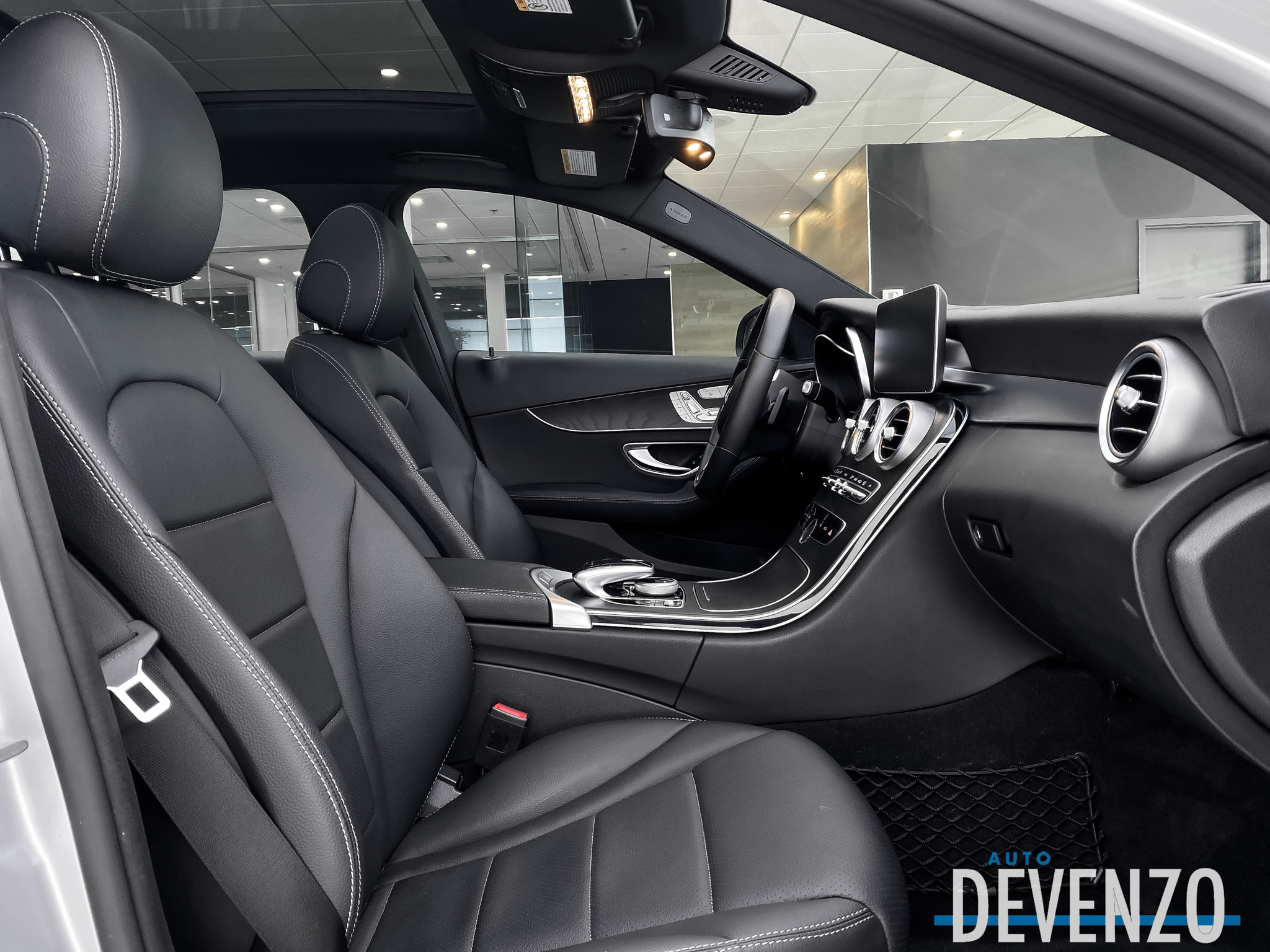 2019 Mercedes-Benz C-Class C300 4MATIC PREMIUM ONE / NIGHT PACKAGE complet