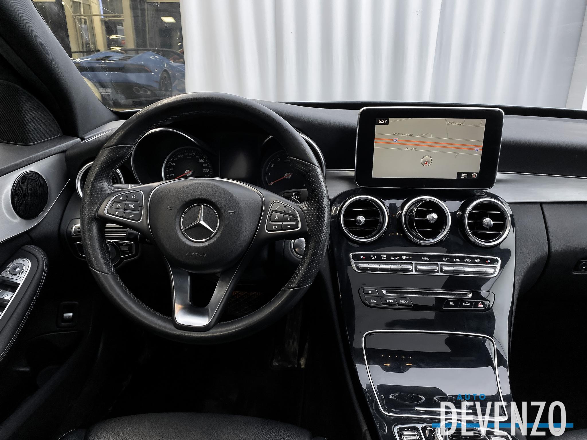 2017 Mercedes-Benz C-Class C300 4MATIC TOIT PANO / NAVIGATION / CAMERA complet