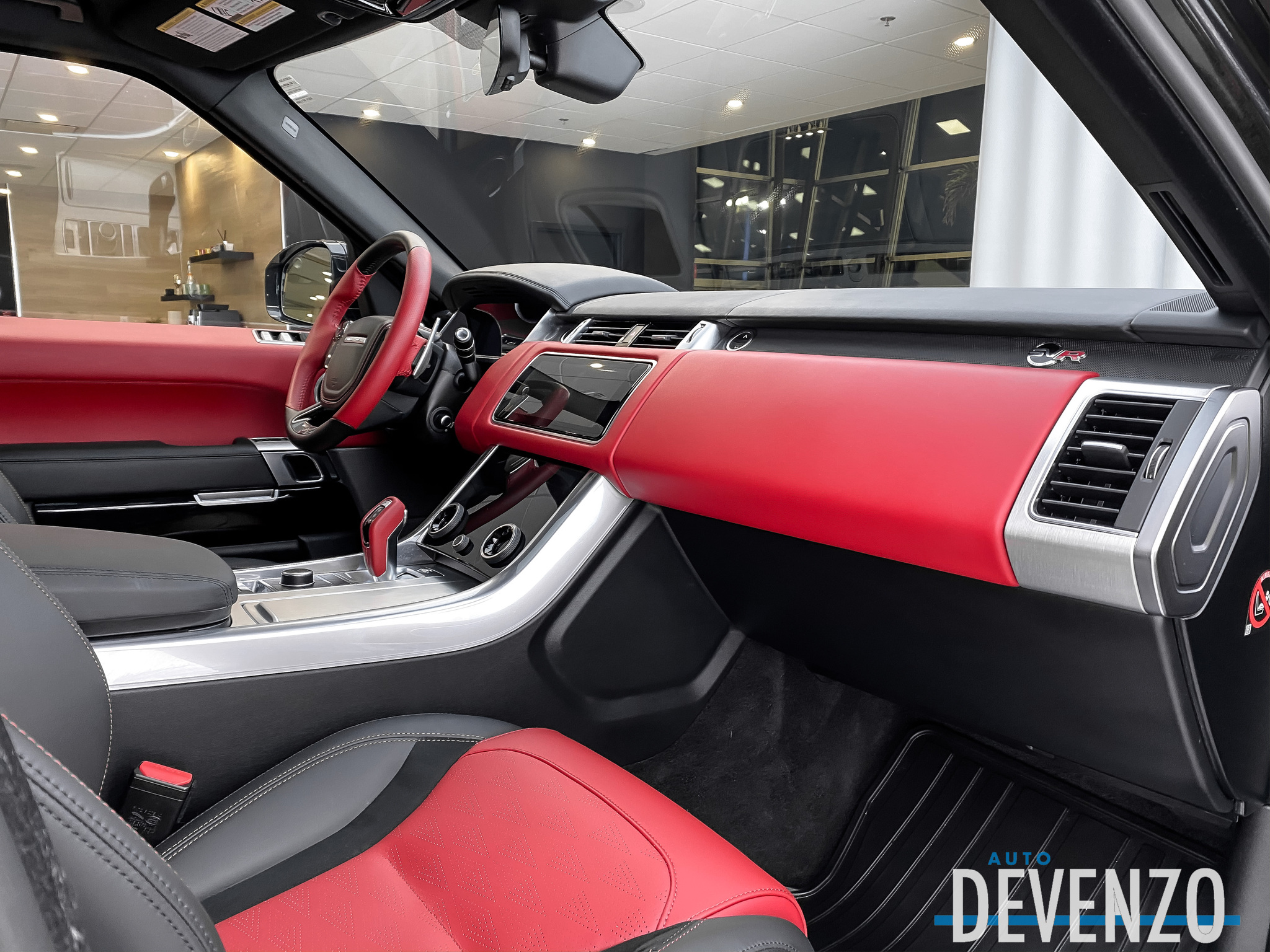 2020 Land Rover Range Rover Sport V8 Supercharged SVR 575HP Drive Pro Pack / Red Int complet