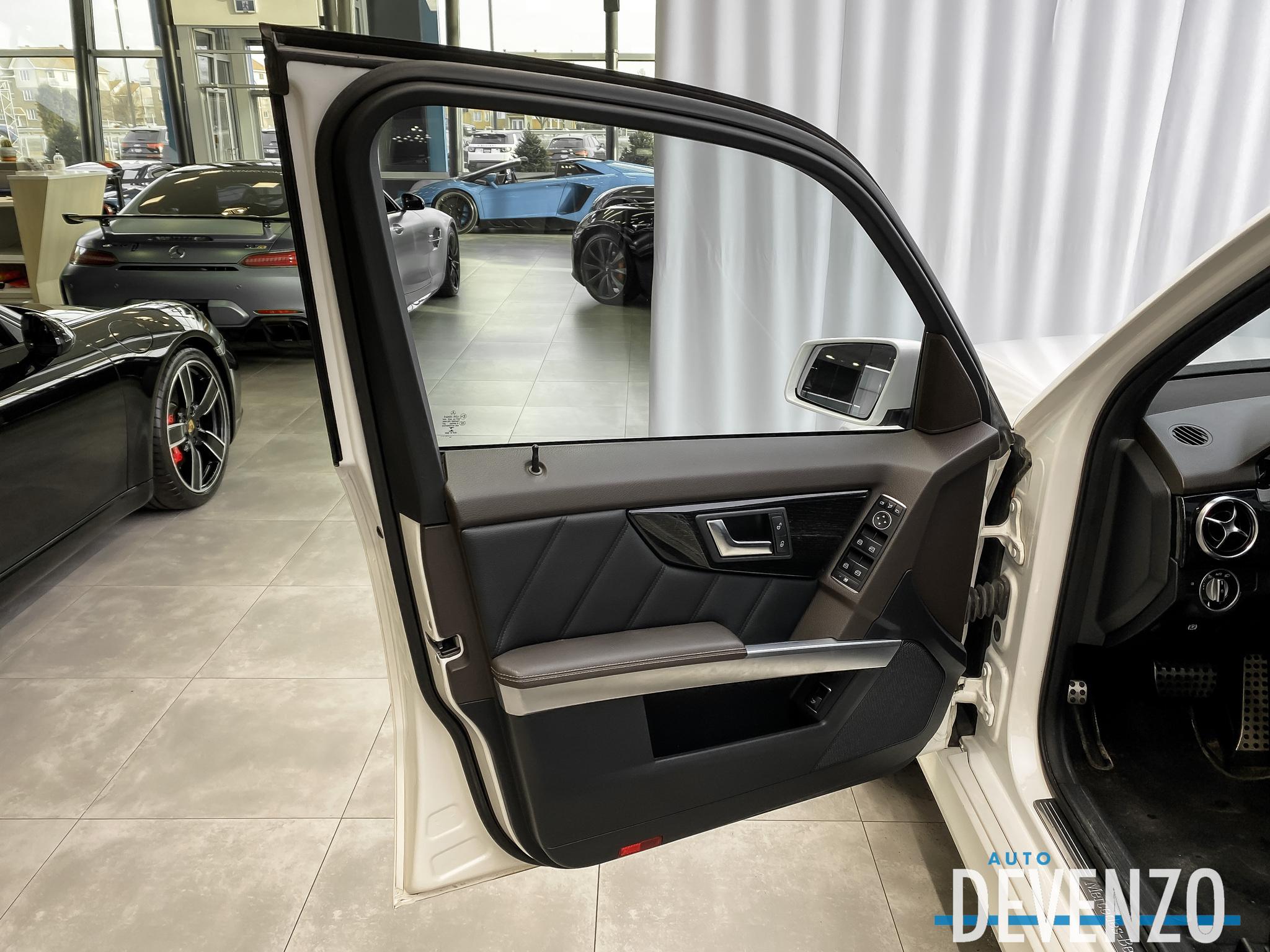 2015 Mercedes-Benz GLK-Class 4MATIC GLK250 BlueTec AVANTGARDE EDITION complet