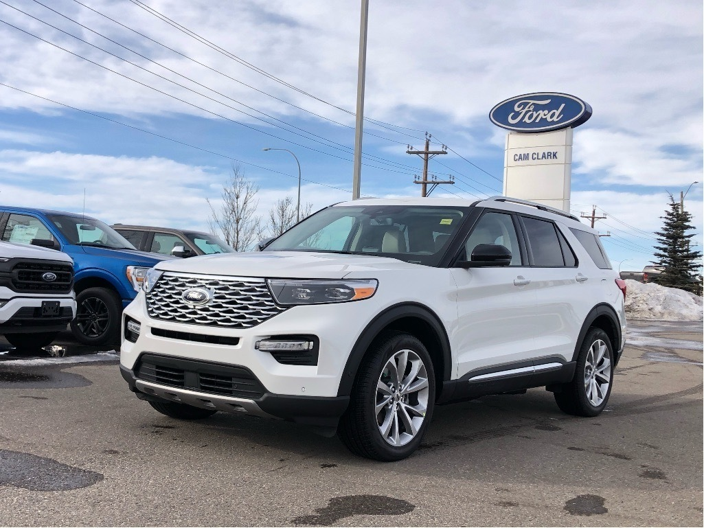 2021 Ford Escape in Airdrie, AB | Cam Clark Ford Airdrie