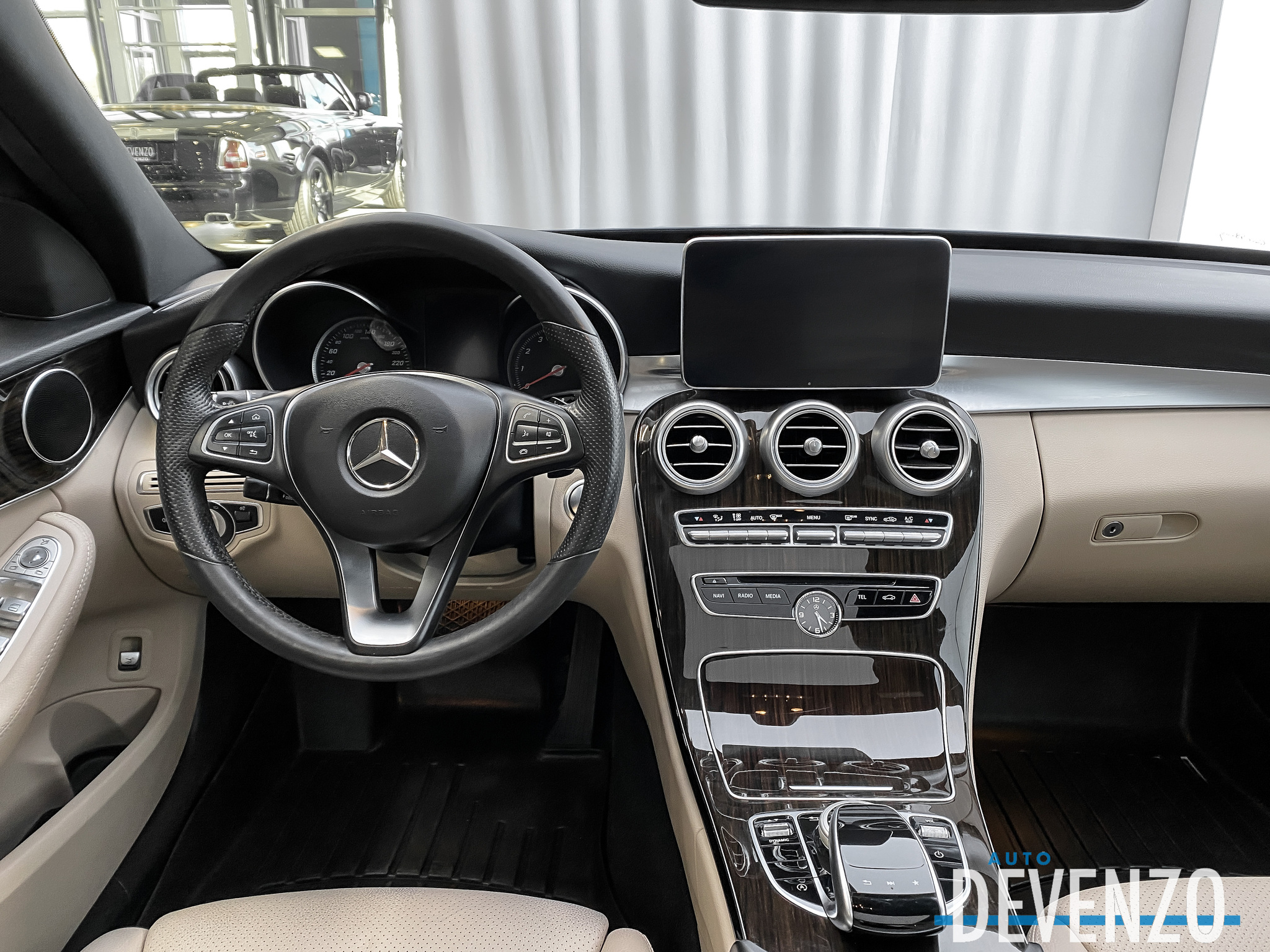2018 Mercedes-Benz C-Class C300 4MATIC Premium Package LED / Navi / Pano complet