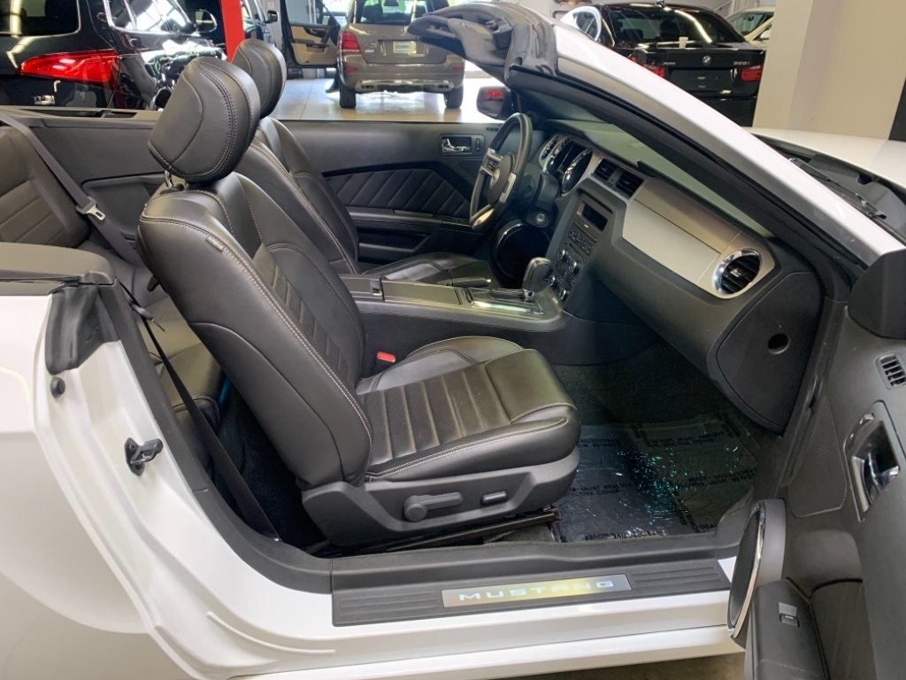 2014 Ford Mustang Premium V6 DÉCAPOTABLE-INTERIEUR EN CUIR complet