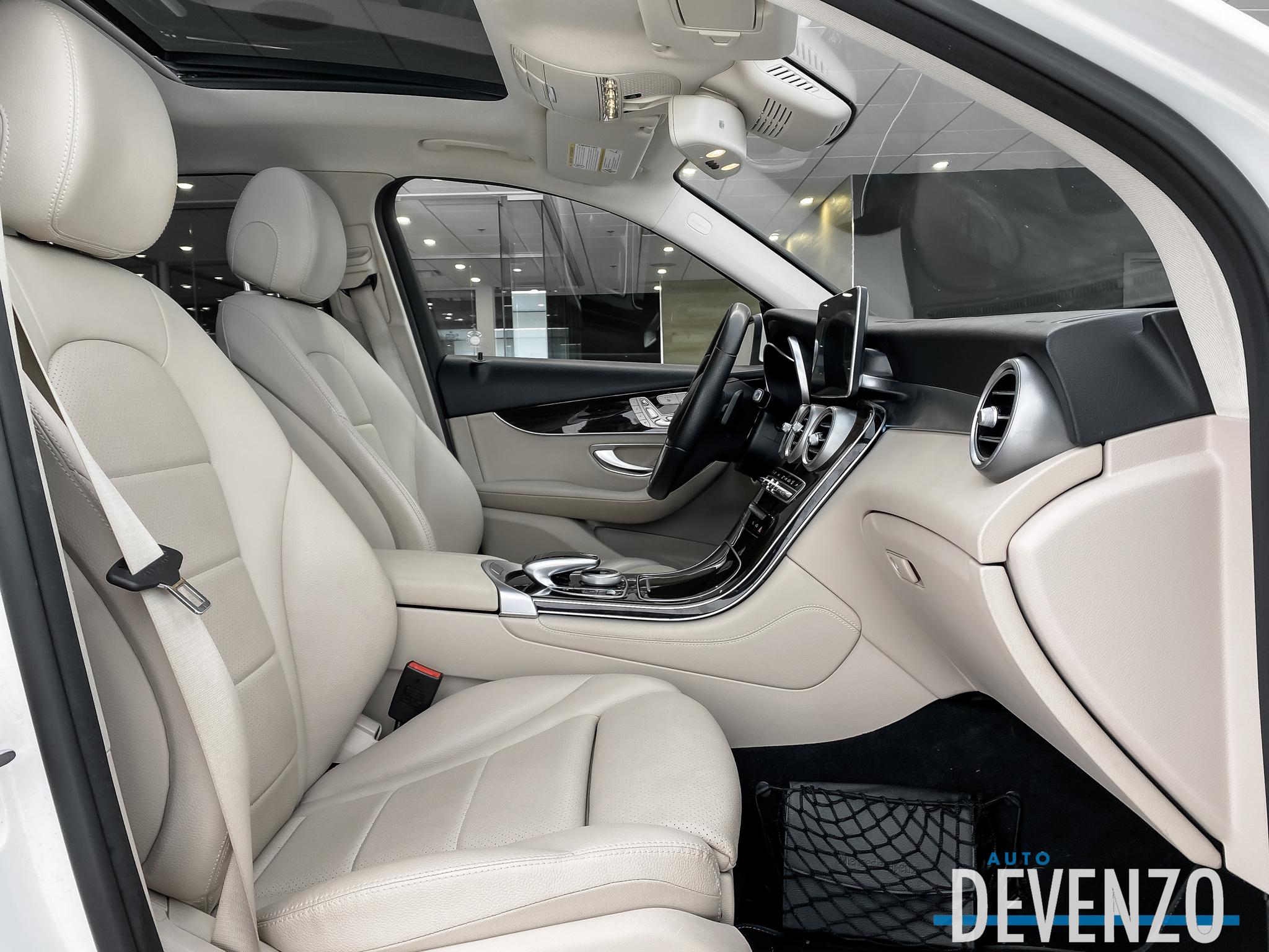 2017 Mercedes-Benz GLC 4MATIC GLC300 Premium / LED / Navi / Toit / Camera complet