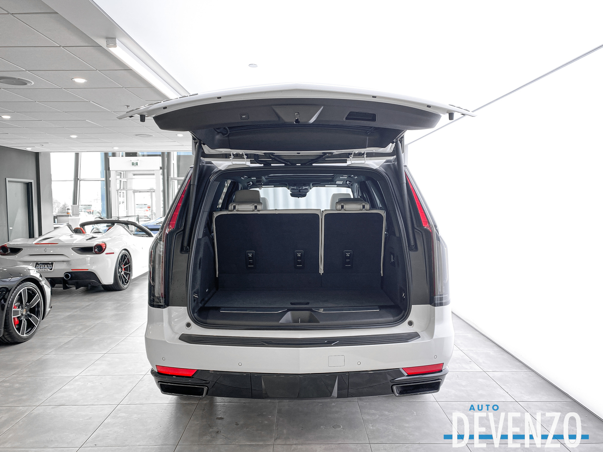 2021 Cadillac Escalade 4WD Sport Driver Assist Tech Package / AKG Sound complet