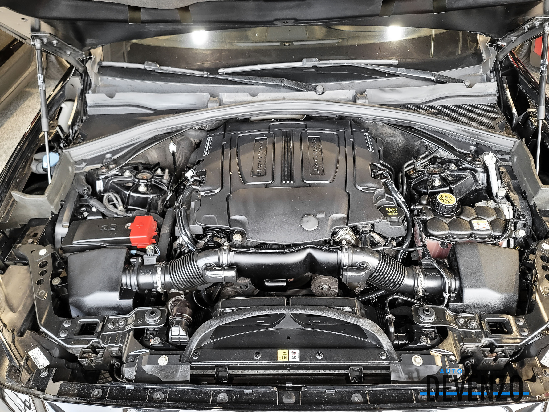 2017 Jaguar F-Pace AWD 35t Premium Black Package complet