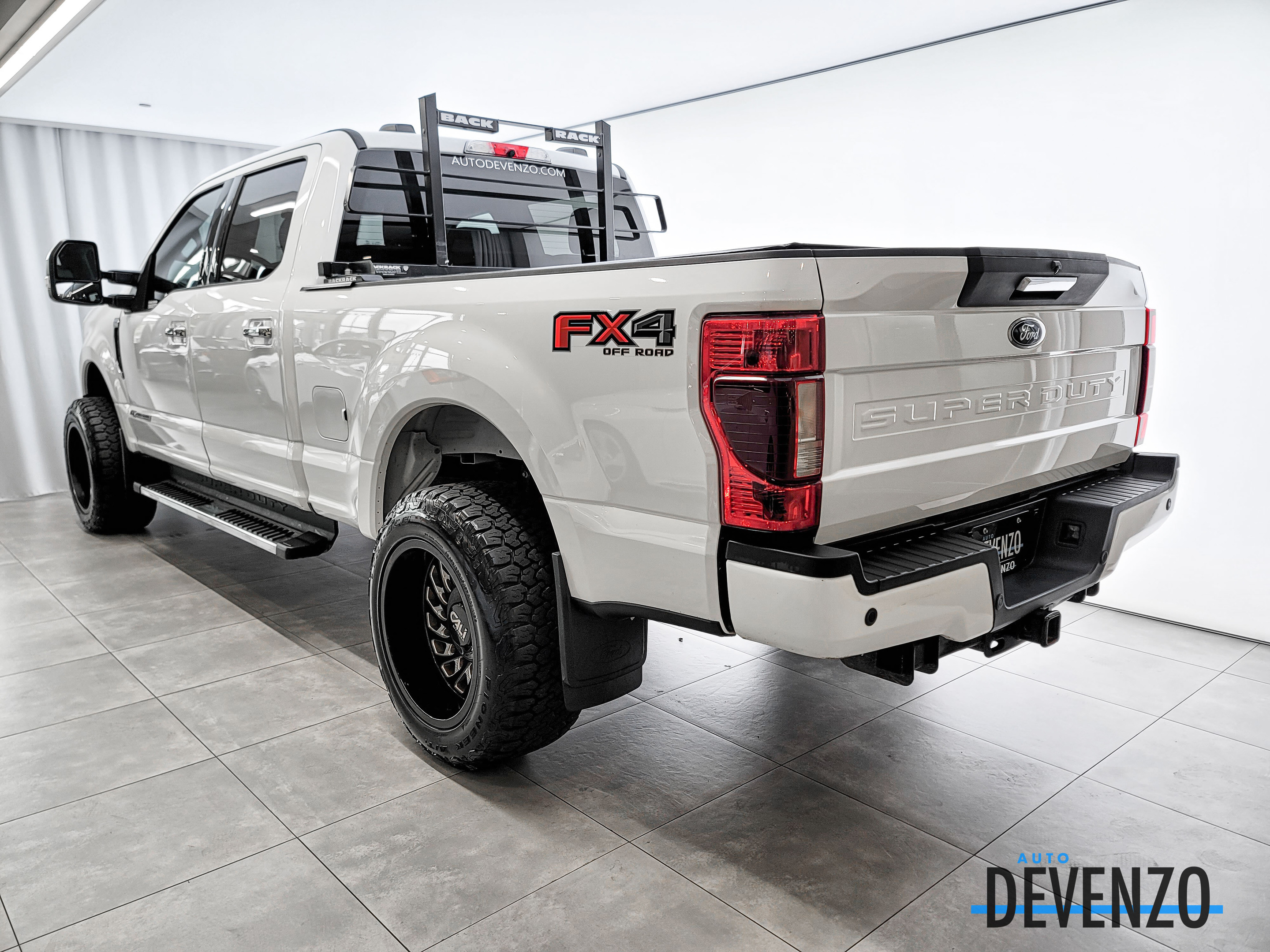 2020 Ford F-250 XLT 4WD Diesel 6.7L Premium Package / FX4 Off Road complet