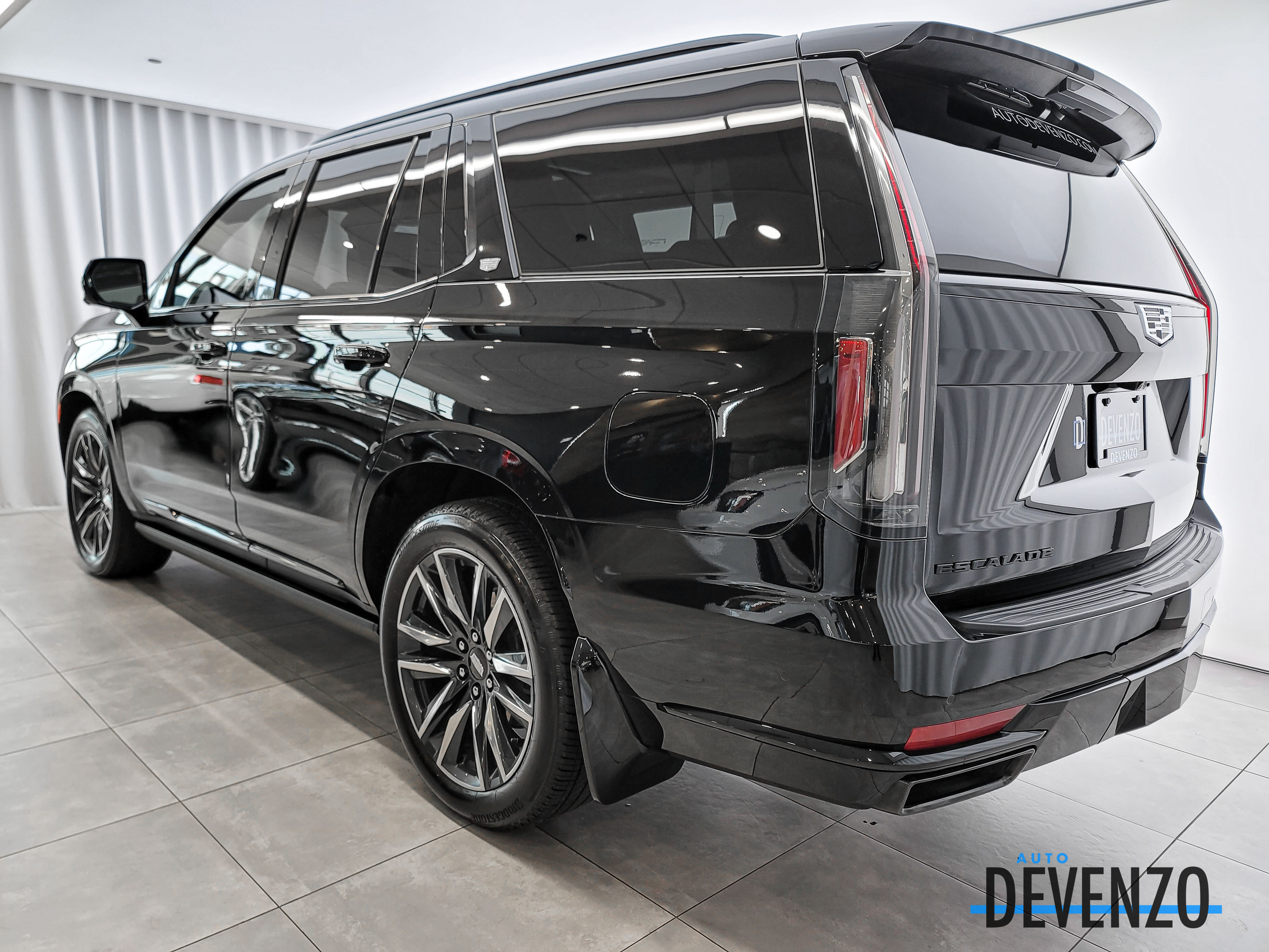 2021 Cadillac Escalade 4WD Sport Platinum DVD / SuperCruise / NightView complet