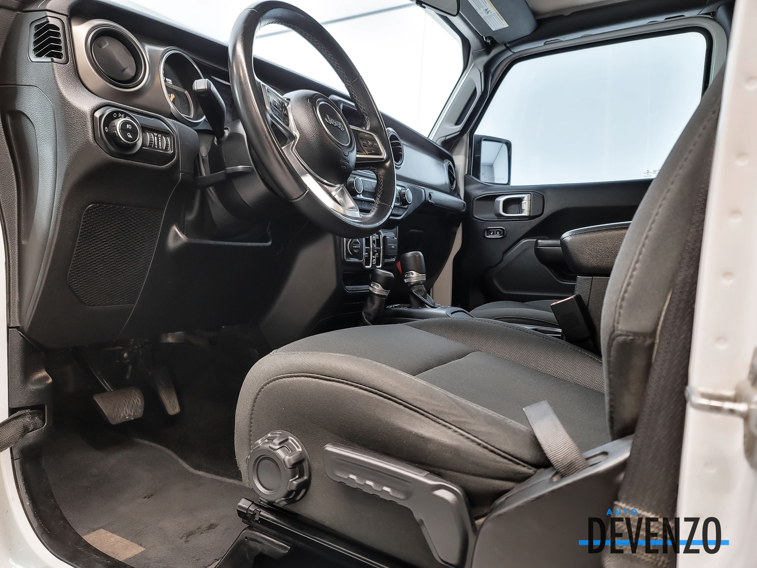 2020 Jeep Gladiator Sport S 4×4 V6 3.6L Technology Group Tow Pack complet