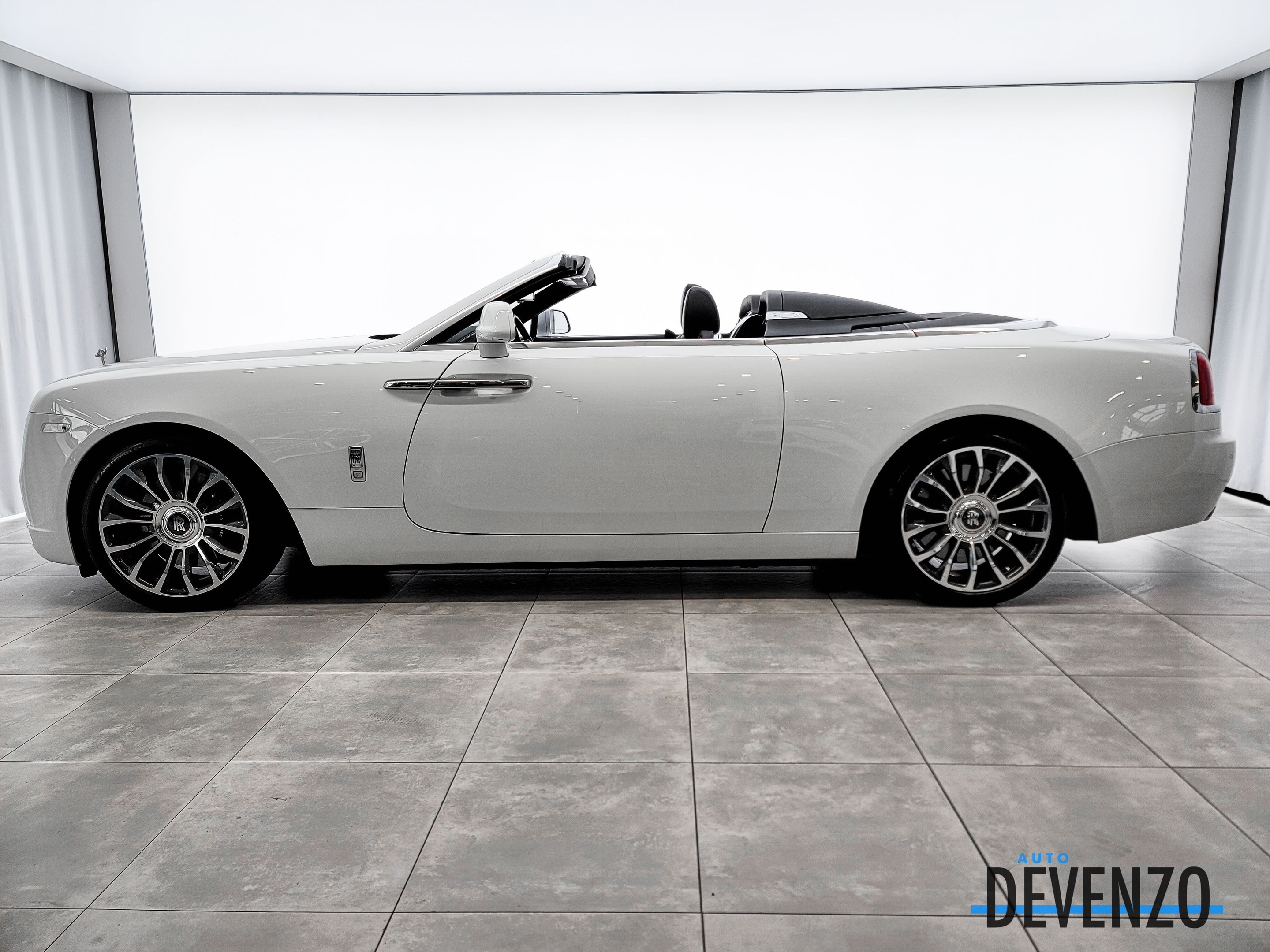 2019 Rolls-Royce Dawn Convertible complet