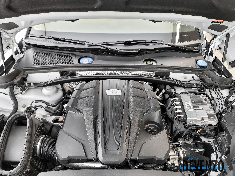 2020 Porsche Macan Turbo 2.9L 434HP complet