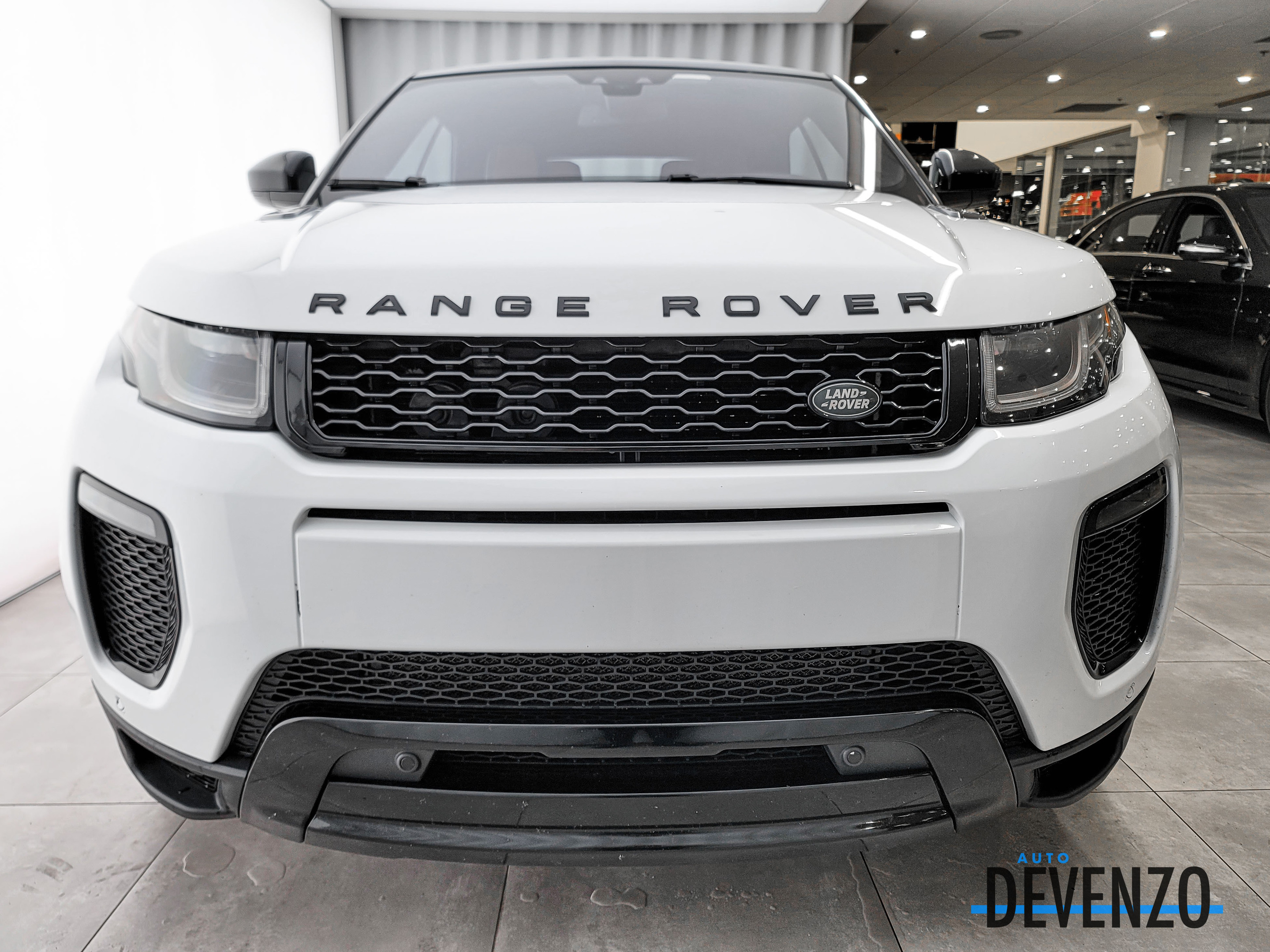 2017 Land Rover Range Rover Evoque Convertible HSE Dynamic Black Package complet