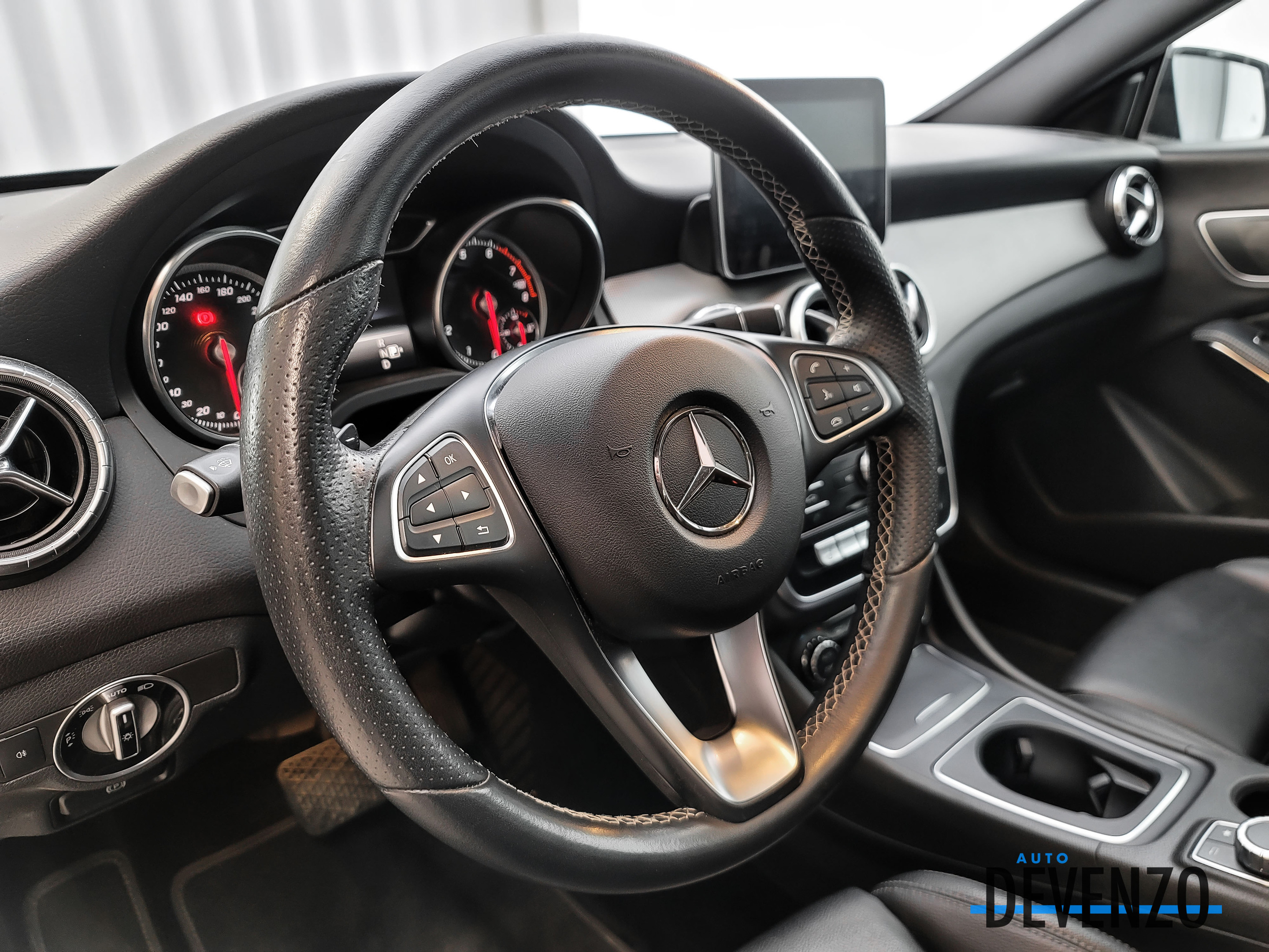 2018 Mercedes-Benz CLA-Class CLA250 4MATIC PREMIUM ONE / NIGHT PACKAGE complet