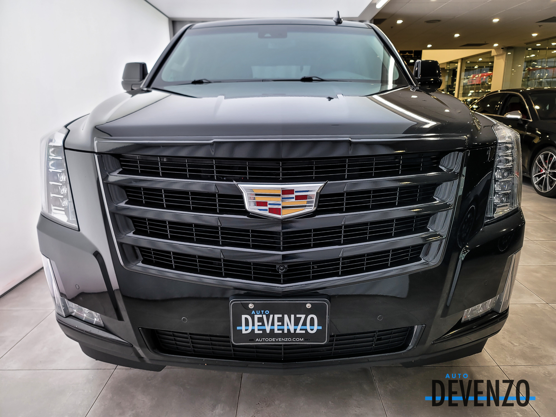 2017 Cadillac Escalade 4WD Luxury TV/DVD x 3 / 24» Wheels complet